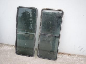 Окна задние боковые LR Defender 90, 110, б/у, с тонировкой.