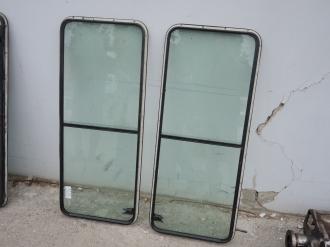 Окна задние боковые LR Defender 90, 110, б/у.